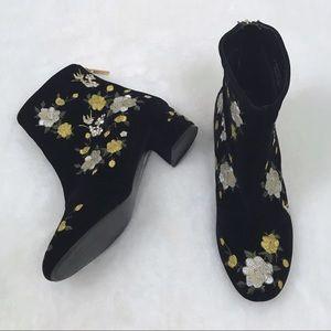TOPSHOP • Velvet Floral Embroidered Boots 39